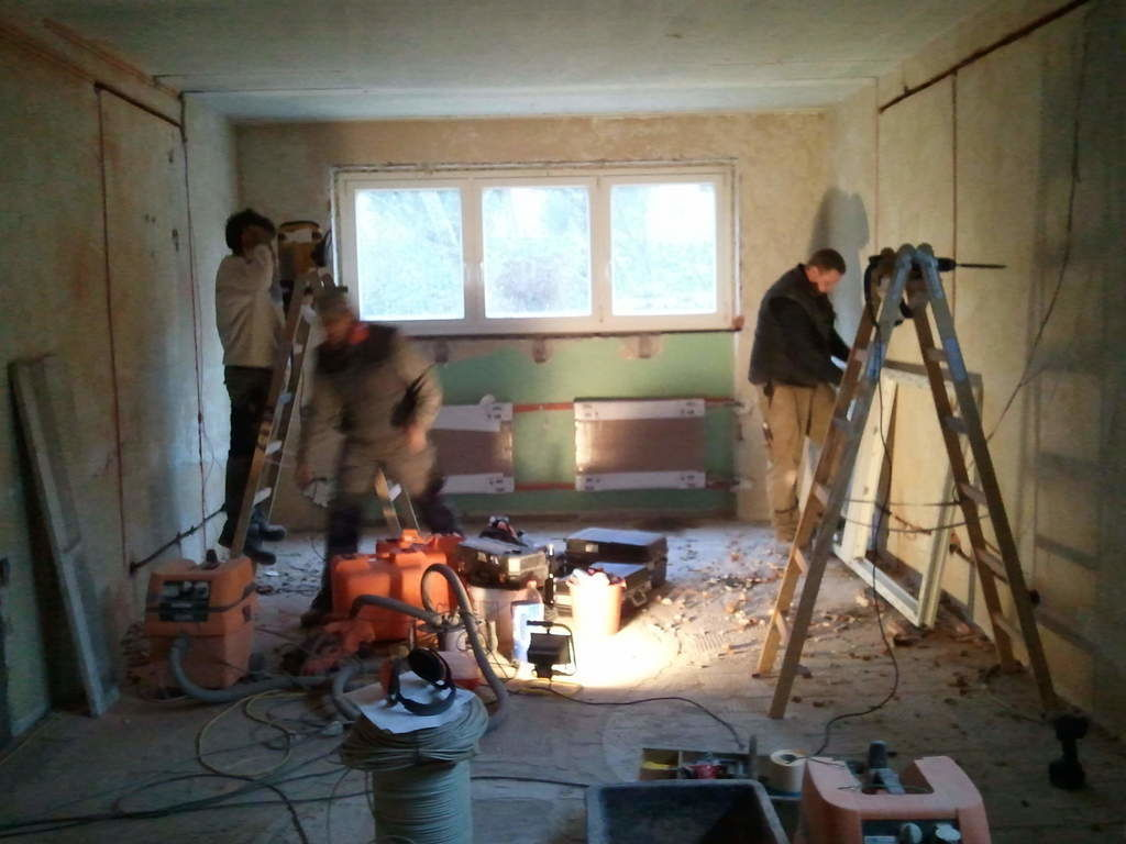bauabschnitt 2 leitungen und fenster werden erneuert. Black Bedroom Furniture Sets. Home Design Ideas